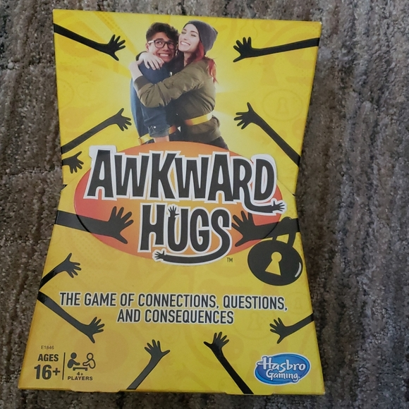AWKWARD HUGS GAME Hasbro gaming
